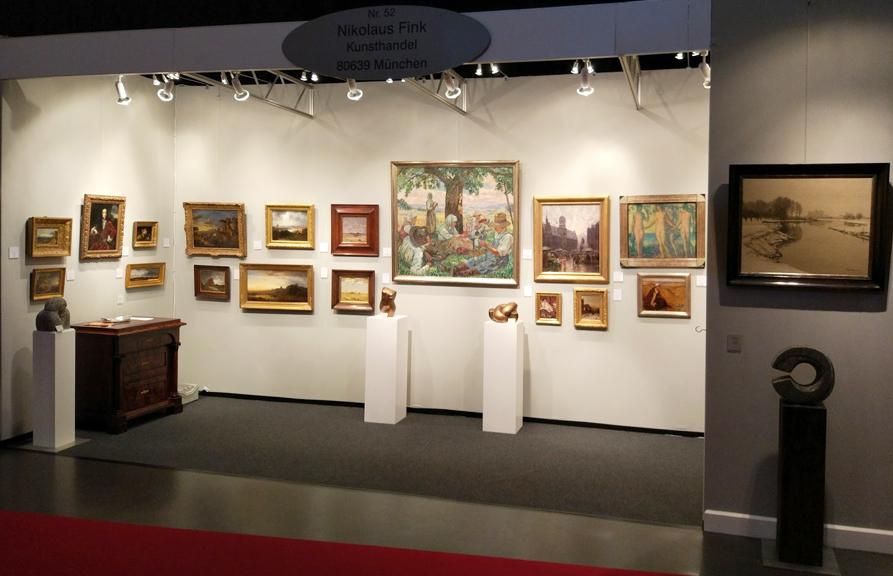 Messestand 53 auf der Kunst & Antiquitäten München im Postpalast
